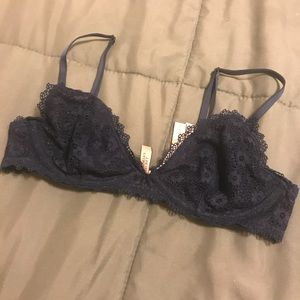 Flowered Lace VS Blue Bralette
